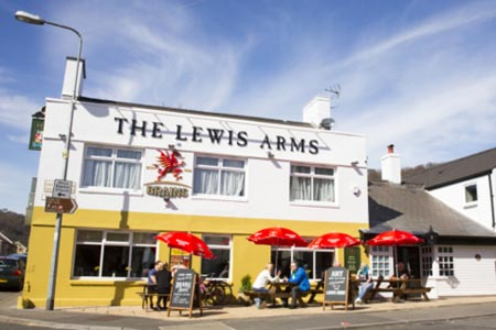 Lewis Arms Outside