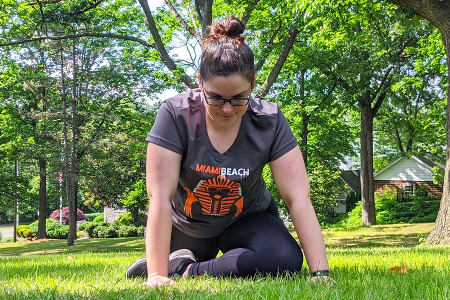 pigeon pose run with amber stretches for runners